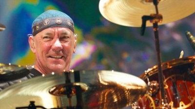 Нил Пирт «завязал» с барабанами